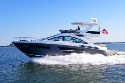 2018 Cruisers Yachts 60 Fly