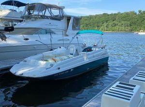 1995 Regal Destiny 2400 Deck Boat