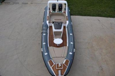 2020 Custom RIB760