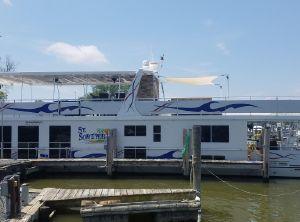 2017 Sumerset Houseboat