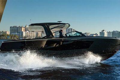 2022 Aviara AV40 Outboard