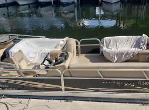 2014 Sun Tracker Party Barge 24XP3