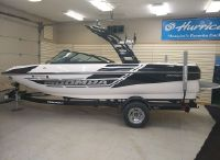 2014 Moomba Mondo 205 Hours Getting New Vinyl