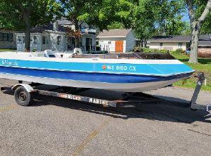 1992 G W Invader Rivera 220 Deck Boat