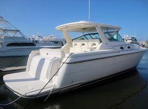 2001 Tiara Yachts Mid Cabin Express
