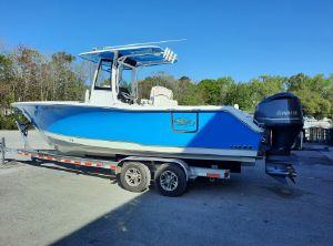 2020 Sea Hunt Gamefish 27 with Coffin Box