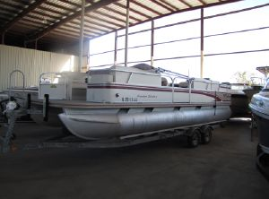 1998 Fisher Boats 241