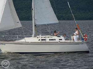 1987 Pearson 28 Sloop