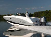 2022 NauticStar 243 DC