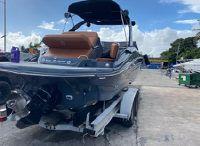 2017 Cruisers Yachts 298 SS