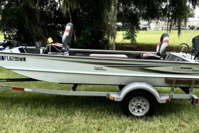 2005 Triton 1653 Stick Steer Boat