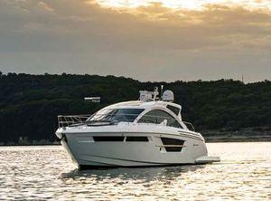 2021 Cruisers Yachts 54 Cantius