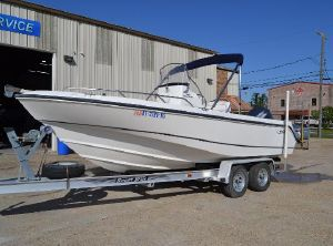 2002 Boston Whaler Outrage 210