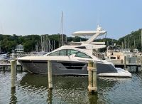 2019 Cruisers Yachts 54 Cantius Fly