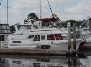 1987 Senator Futura Sundeck Trawler