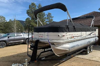 2004 Sun Tracker PARTY BARGE 25 Regency Edition