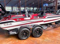 2021 Bass Cat Boats Eyra