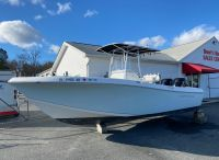 2016 Clearwater 2300 Center Console
