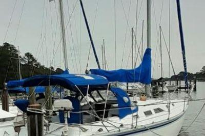 1983 Sailboat Hunter