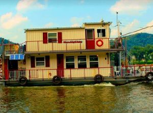 2013 Custom-Craft 56' Sternwheeler