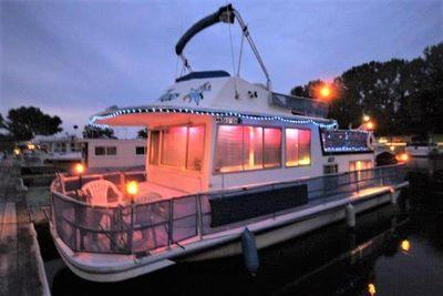 1977 Gibson Houseboat