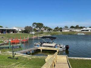 2020 Sun Tracker Fishing Barge 22