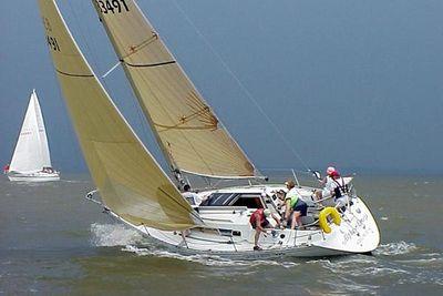 1987 Beneteau First325
