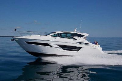2022 Cruisers Yachts 46 Cantius