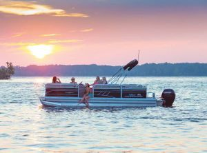 2021 Sun Tracker PARTY BARGE® 22 RF DLX
