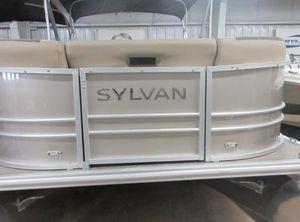 2021 Sylvan L-1 Party Fish