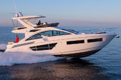 2021 Cruisers Yachts 60 Fly