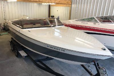 1986 Tiara Yachts Davanti 2300