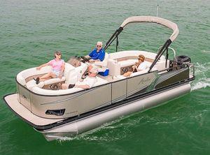 2021 Avalon LSZ Cruise 22'