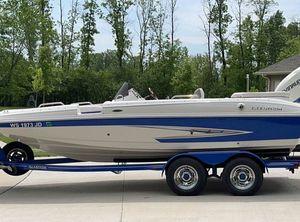 2013 Glastron DS 200 Deckboat