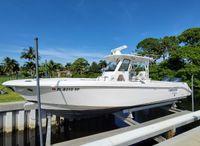 2014 Everglades 325 Center Console