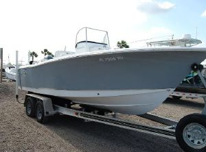 2019 Sea Hunt 225 Triton
