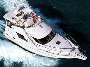 2001 Silverton 352 Motor Yacht