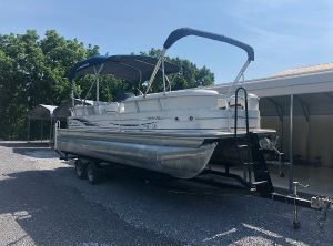 2006 Tracker Sun Tracker Party Barge 25