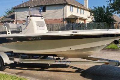 2021 NauticStar 215 XTS Shallow Bay
