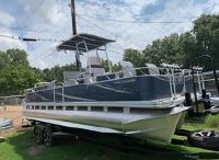 2019 Angler Qwest 824 Crappie Edition