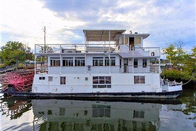 1982 AC Mcleod Custom Sternwheeler House Barge
