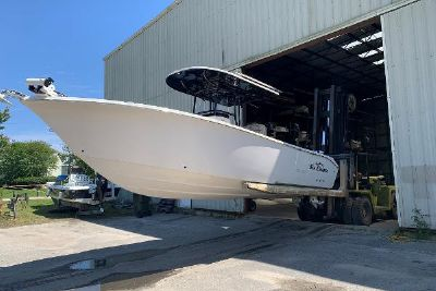 2020 Sea Chaser 27 HFC