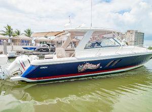 2018 Intrepid 475 Sport Yacht