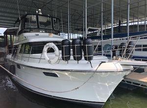 1988 Carver 42 Motor Yacht