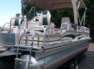 2011 Custom Weeres Tri-Toon Sundeck 260 LX
