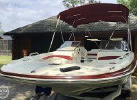 2009 Larson Escape 204 Deck Boat