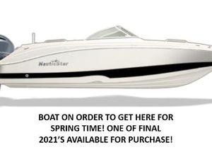 2021 NauticStar 223DC Sport Deck