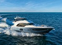 2022 Monte Carlo Yachts MCY 70 Skylounge