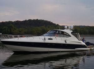 2008 Cruisers Yachts 560 Express
