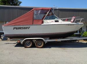 1986 Pursuit 2200 Tiara Cuddy